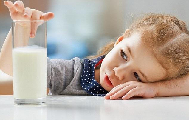 Lưu ý khi chọn sữa tươi cho con