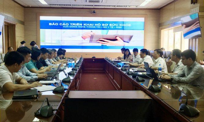Phối hợp chặt chẽ xây dựng hồ sơ sức khỏe điện tử cho mỗi người dân