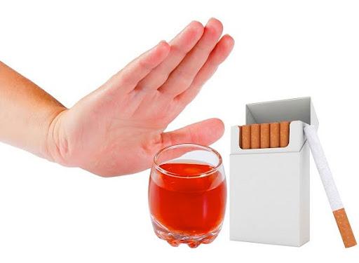 Không uống rượu bia và không hút thuốc lá