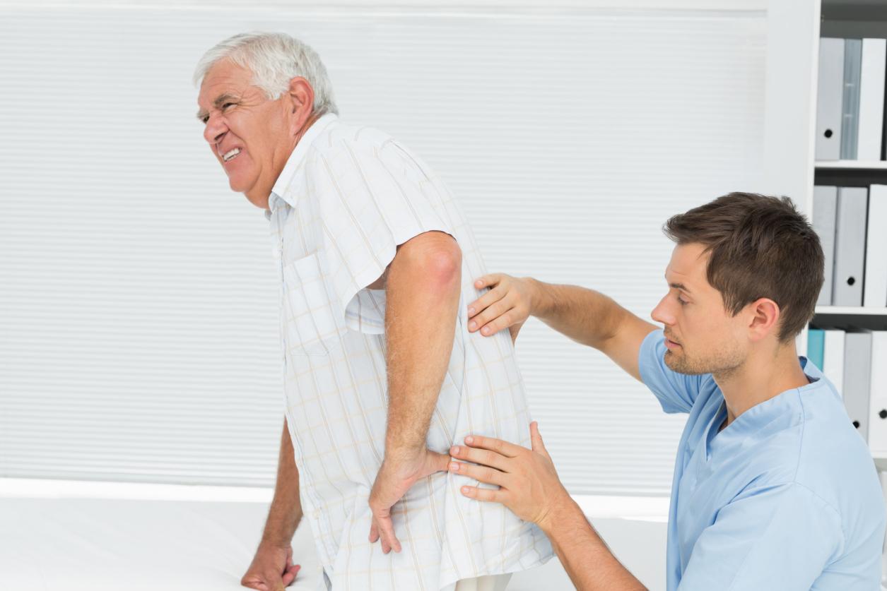 Loãng xương thường diễn ra ở người già